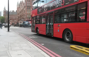 Euston Road junction with Gray's Inn Road westbound. End of cycle separation, anyone spot the problem here?